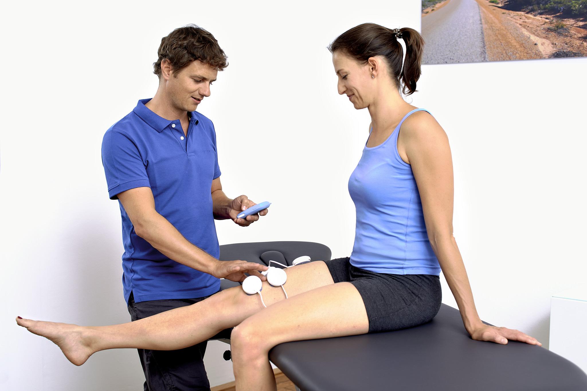 Elektrostimulation Oberschenkel Physiotherapie Connert Innsbruck