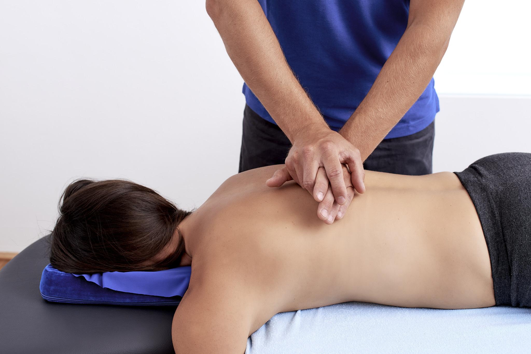 Manuelle Therapie Wirbelsäule Physiotherapie Connert Innsbruck